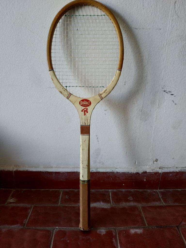 Raqueta Vintage Marca Reno 0