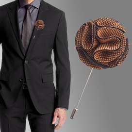 Broche pin moderno para traje