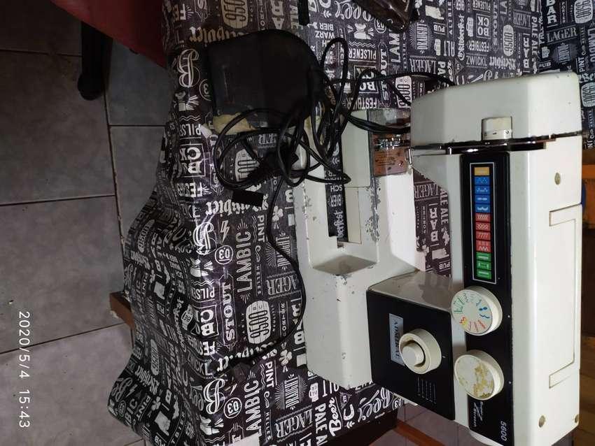 Maquina de coser Admiral 0