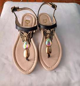 Solador sandalia plana