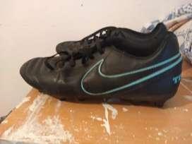 Botines fútbol 11 Nike originales