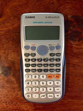 Calculadora Casio 570 PLUS