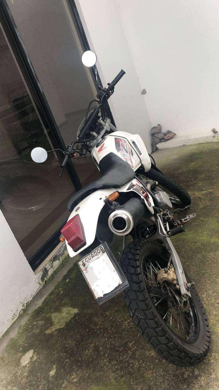 De Remate Moto Honda XL200 0
