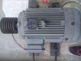 Motor Electrico 15HP como nuevo
