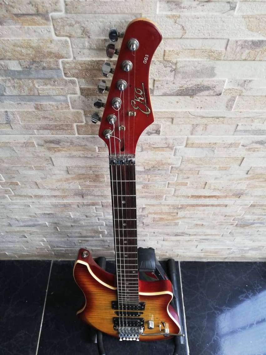Guitarra eléctrica Eko GG3 con Floyd rose Italiana 0