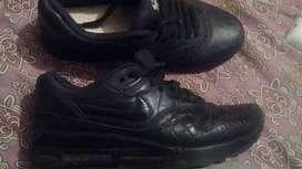 Vendo zapatillas Nike Air Max  talle 37/8 d mujer