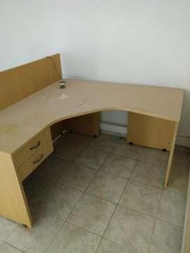 Mesa, escritorio..