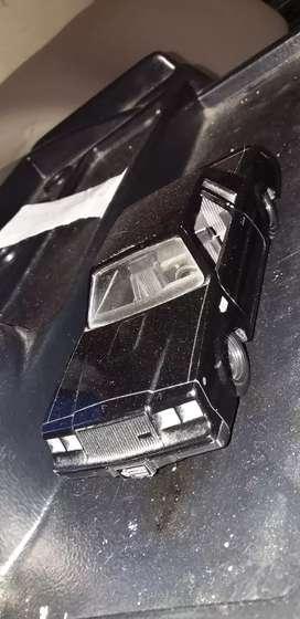 Vendo auto de la rápidos y furisos 4 nuevo !!