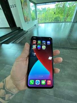 Iphone 11 pro max dorado