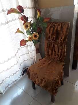 REMATO: juego de sillas usadas de madera (8) + sus fundas