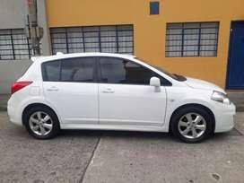 Vendo carro Nissan tiida premium. Full equipo modelo 2011