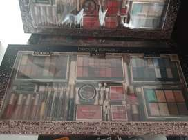 Paletas de maquillaje 89 piezas