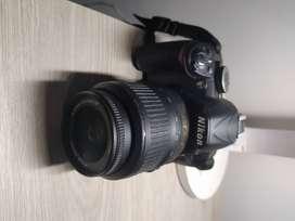 Nikon D3100 USADA + Lente 18-55 mm + cargador  (Buen estado)