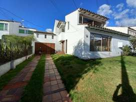 Vendo hermosa y amplia casa con excelente ubicación