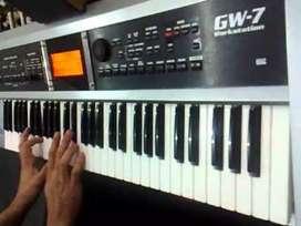 Teclado roland gw7