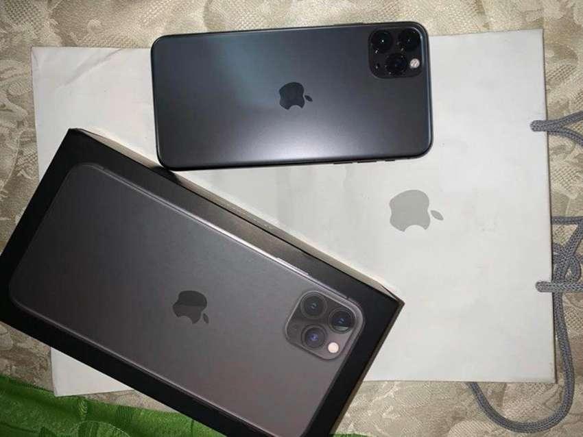 Vendo iPhone PRO MAX 0