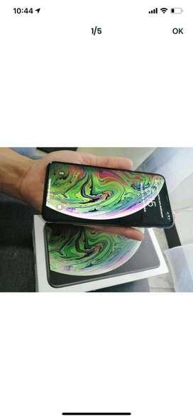 Se vende iphone xs max 64G color negro poco uso con caja factura y todos sus acesorios oroginales