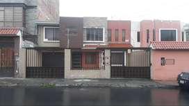 Casa en venta, sector El Paraiso cerca del Colegio Cesar Davila