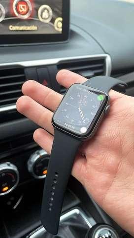 Apple Watch Serie 5 44MM 10/10 Caja y Accesorios