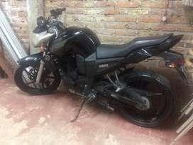 Vendo (No es fz, solamente tiene calcomanias de yamaha) motomel sirius 200cc impecable