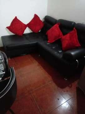 Juego un  sofá cama y una silla