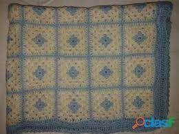 Manta Tejida Crochet En Cuadros Celeste-blanca 70x80 Perfect