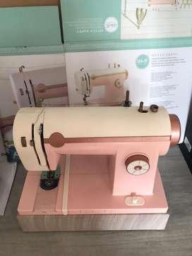 Maquina de coser Papel, tela y cuero
