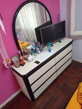 Juego completo dormitorio + cómoda con espejo