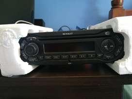 VENDO estéreo original de clio mio modelo 2013