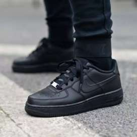 Vendo Air force 1 negros