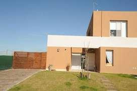 Casa en Pilar del Este Santa Guadalupe 100 - Eidico