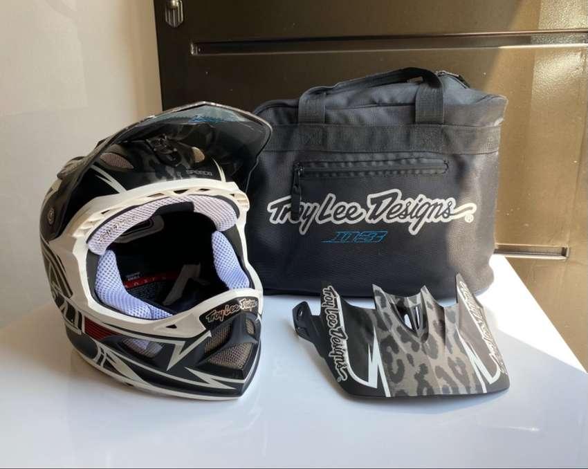 Casco de BMX Troy Lee Designs D3