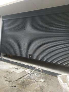 Suministro e instalación de cortinas enrollables
