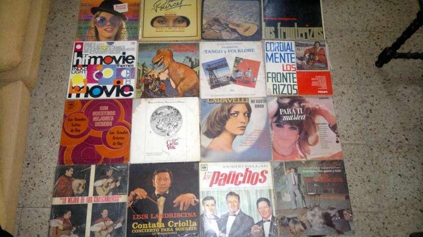 42 Discos de Varios Intérpretes 0