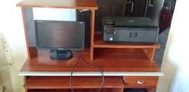 Vendo monitor y mesa para compu