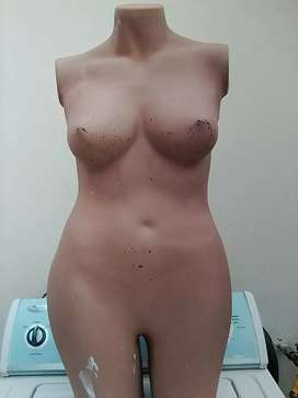 Se vende maniquies a 10.000