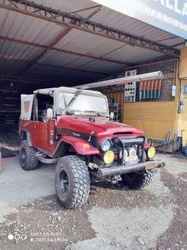 Toyota Land Crusier modelo tipo Jeep, esta en muy buen estado