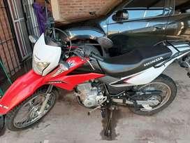 Vendo Honda xr 150 en buen estado todos los papeles alarma único dueño