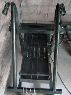 Máquina bloquera de 2 moldes, medidas 12x20x400