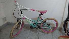 Vendo bicicleta niña muy buen estado