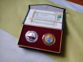 Juego de 2 medallas conmemorativas de Expo 2010 Shanghai China