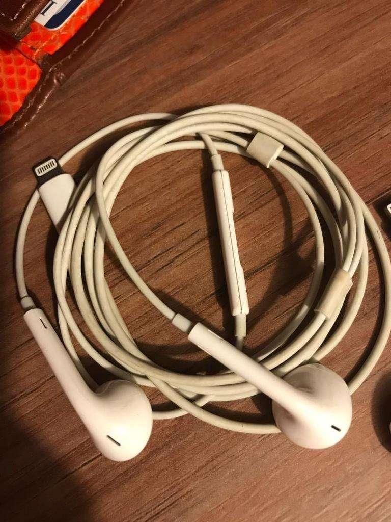 Audifonos Originales iPhone 0