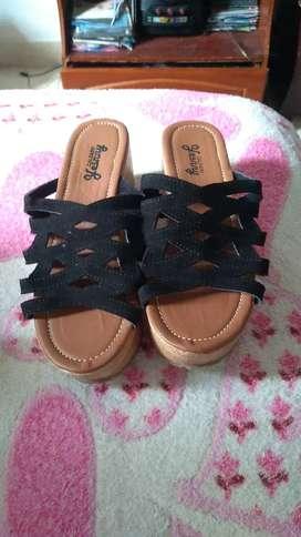 Zapatos en rampla