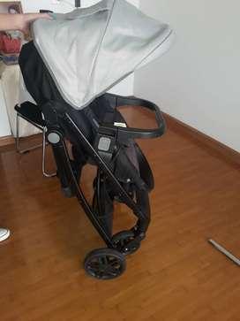Venta de coche y porta bebe(silla para carro).