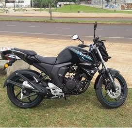 vendo moto fz 2017 semi nueva.