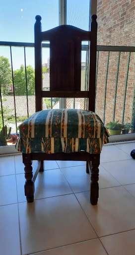 4 sillas de ALGARROBO macizo, sin teñir,