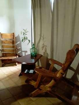 sillones y mesita de cedro