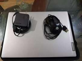 """Laptop Lenovo de 14"""". Vendo o cambió por Xbox one S."""