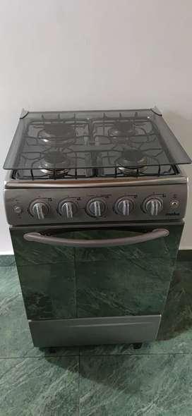 Estufa 4 puetos con horno