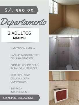 Habitación con baño dentro y zona de cocina externa, piso de lavandería exclusivo